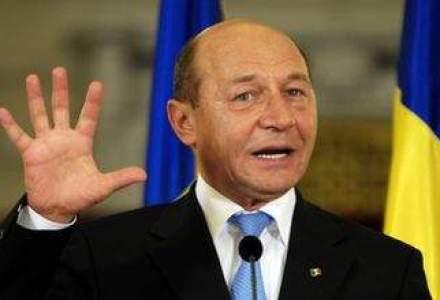 "Basescu: INS a avut o gandire ""de gaga""; eu as anula taxa pe stalp si as scoate acciza la carburanti"