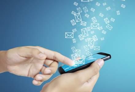 """Puterea """"tradiționalului"""" SMS în comunicarea cu clienții: cum au evoluat operațiunile SMSLink.ro în ultimul an"""