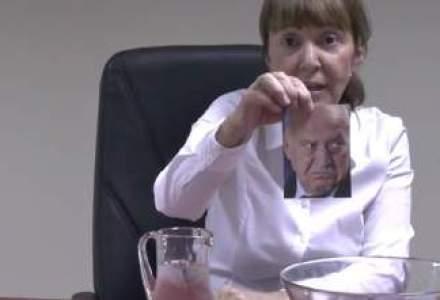 Monica Macovei reinterpreteaza Ice Bucket Challenge: Apa turnata peste pozele lui Voiculescu, Nastase, Copos, Vintu