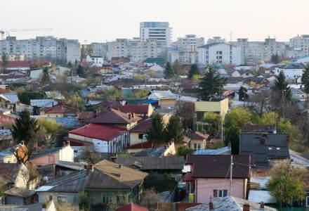 Ploiești: Angajații Primăriei vor face curățenie pe străzi, pe fondul grevei de la Rosal