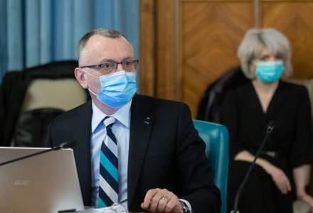 Cîmpeanu: Studenții nevaccinați să primească combinezoane pentru laboratoare
