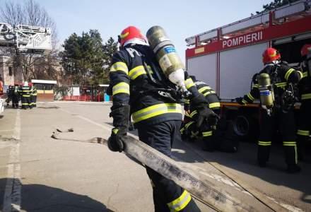 Incendiu pe A1 București-Pitești. O cisternă cu 30 de tone de motorină a luat foc