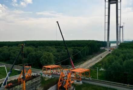 VIDEO: CNAIR a anunțat începerea lucrărilor de ridicare platformei de lucru la podul suspendat peste Dunăre de la Brăila
