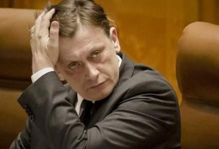 """Crin Antonescu """"pariaza"""" pe Iohannis: Greselile lui Ponta sunt considerabil mai mari"""
