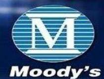 Moody's coboara ratingul...