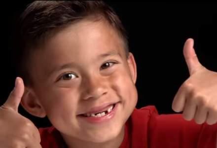 Ce inseamna sa te joci cu cap: un baietel de 8 ani face peste 1 milion de dolari pe an din YouTube