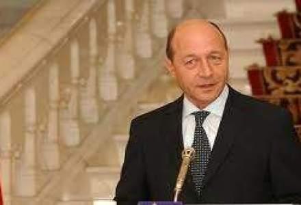 Presedintele Basescu a promulgat legea pentru reducerea CAS