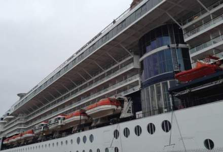 O zi pe vasul de croaziera premium Celebrity Constellation