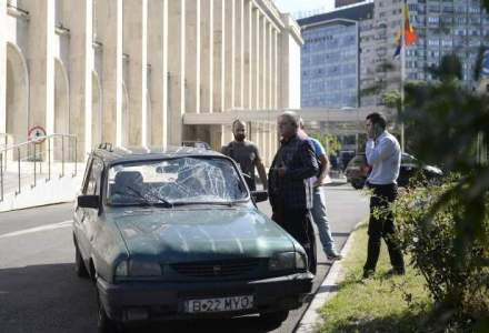 Adrian Sobaru a fost retinut; angajatul TVRl a rupt cu masina o bariera de acces de la Guvern