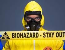 Cine lupta impotriva Ebola,...