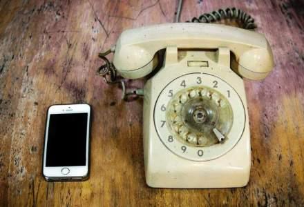 """De la iPhone incoace, romanii """"consuma"""" de trei ori mai multe minute la telefon"""