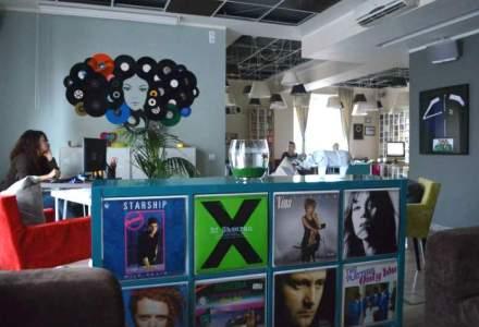 Vizita la noul sediu Roton, locul unde se cladesc cariere de artisti