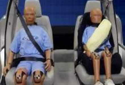 Ford are din 2010 centuri de siguranta cu airbag