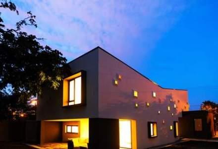 Casa cu lumini colorate: arhitectura uluitoare a unei locuinte din Timisoara