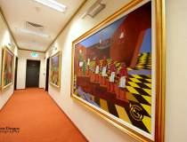 Un sediu - galerie de arta:...
