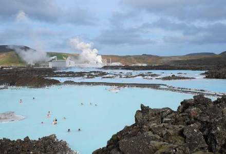 Aici simti ca iesi din timp: expeditie in tara de gheata in care se ridica 100 de conuri vulcanice