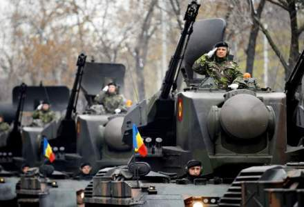 A inceput PARADA MILITARA: 2.700 de militari si 280 de vehicule fac spectacol de Ziua Nationala