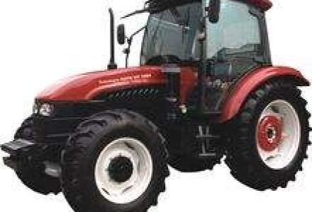 Primul tractor va iesi pe poarta uzinei Hoyo din Rasnov abia in 2010