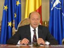 Presedintele Basescu l-a...