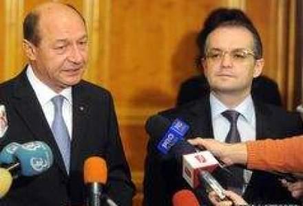 Basescu il pune pe Boc sa revigoreze economia: Cand vin banii de la FMI?