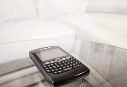 Colaborare inedita: Boeing s-a asociat cu Blackberry pentru productia unui telefon-spion