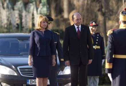 Traian Basescu petrece sfarsitul de mandat la o berarie din Herastrau: Mi-am dorit sa fiu om liber