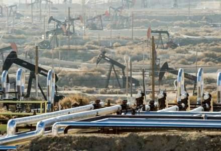 Petrolul se mentine la peste 60 de dolari, dupa scaderea productiei in Libia