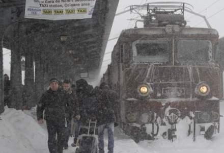 Trenuri blocate in camp in judetul Braila: 470 de persoane sunt prins de viscol