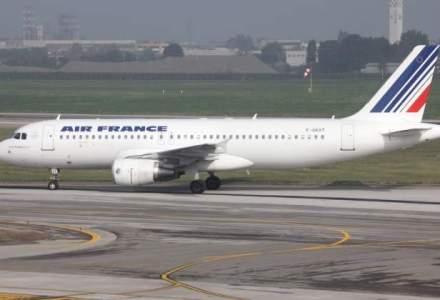 Cursele aeriene Bucuresti-Paris au intarzieri de cel putin 30 de minute