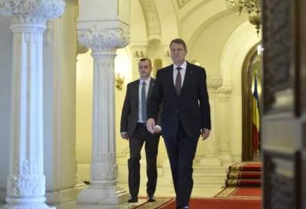 Klaus Iohannis sesizeaza la CNA Antena 3 si Romania TV pentru acuzatii aduse la adresa sa in timpul campaniei la prezidentiale