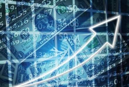 Francul si dolarul ating noi valori record: moneda americana s-a apropiat de 4 lei