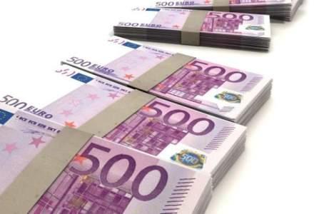 Euro a coborat luni sub 4,48 lei, iar francul si dolarul s-au depreciat