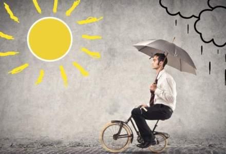 Optimistii ii bat pe pesimisti pentru prima oara in 7 ani: romanii, mai increzatori in economie