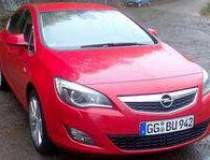 Opel rolls out the new Astra,...