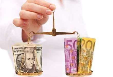 Barclays: Euro va ajunge la paritate cu dolarul pana la finalul lui 2015