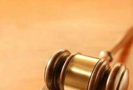 Sindicatele vor sa sesizeze Avocatul Poporului nemultumiti de Legea salarizarii
