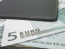 Cerintele FMI: renuntarea la...