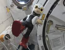 VIDEO: Primul robot-astronaut...