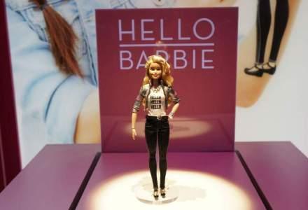 Adio conversatii imaginare - Hello Barbie intra pe piata