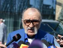 Ion Tiriac invita...