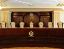 Schimbari in Comisia de...