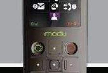 Cel mai usor telefon din lume s-a lansat oficial in Romania