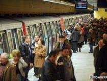 Populatia continua sa scada:...