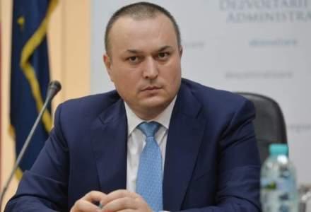 Primarul Ploiestiului, Iulian Badescu, retinut de procurori, dupa sapte ore de audieri