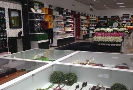 Rus Savitar inagureaza un nou magazin si anunta a patra fabrica