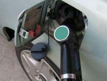 Saracie la benzinarie: trei...