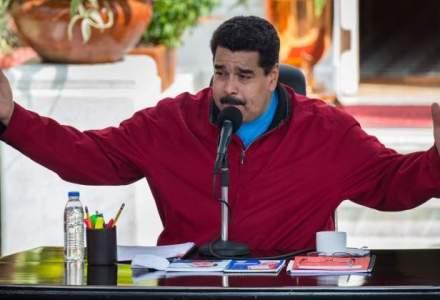 Venezuela va rationaliza alimentele din magazine. Oamenii formeaza cozi din cauza penuriei de bunuri