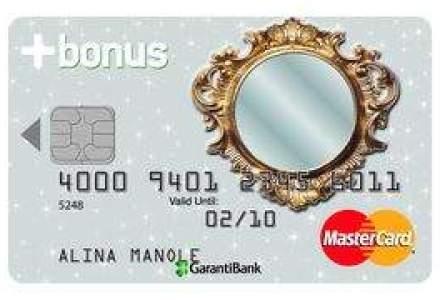 Bancherii vand carduri de credit cu oglinda, dupa ce au pus poza clientului pe plastic
