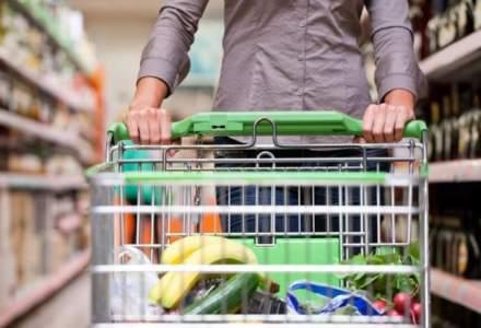 Romanii au mers mai des la cumparaturi anul trecut, dar nu prea au cheltuit
