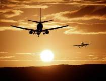Sute de curse aeriene,...